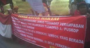Petani Ramunia demo di kantor PWI Sumut