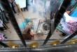 Mahasiswa yang berasal dari Kesatuan Aksi Mahasiswa muslim Indonesia (KAMMI) melakukan aksi unjukrasa di depan Gedung DPRD Sumut, Medan, Rabu (25/3). Mereka menuntut agar para pemerintah dan seluruh elite politik segera menstabilkan harga kebutuhan masyarakat. (WOL Photo/Ega Ibra)