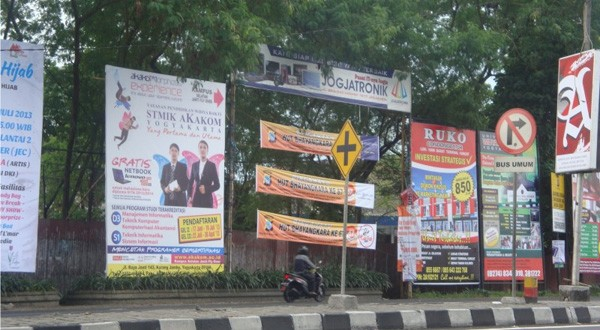 Dinas TRTB tak Tegas Tertibkan Papan Reklame Bodong