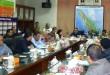 Brigjen Pol Chairil Anwar  dan Eddy Syofian Purba  memimpin rakor membahas imigran illegal di Sumut, Rabu (27/5) di kantor Kesbangpol Linmas Sumut. (WOL Photo)