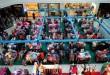 Pembeli melihat tumpukan pakaian yang diberi potongan harga di salah satu pusat perbelanjaan, Medan, Senin (6/7). Jelang lebaran sejumlah pusat perbelanjaan di Kota Medan memberikan potongan harga hingga 70% untuk menarik minat pembeli. (WOL Photo/Ega Ibra)