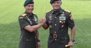 KSAD Jenderal TNI Mulyono (kiri) (Foto: SINDO)