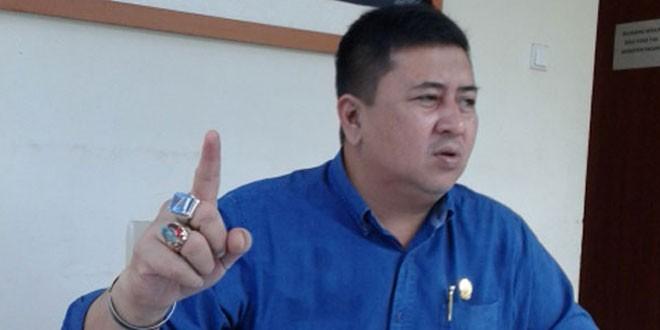 Hasil gambar untuk Ketua Komisi A DPRD Sumut Nezar Djoeli