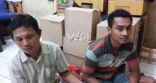 Dua tersangka curanmor, Bambang dan Heri diamankan di Polsek Medan Sunggal. (WOL Photo/gacok)