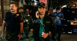 Dandim 0201/BS, Kolonel Inf Maulana Ridwan, saat mengontrol anggotanya di kantor MPW PP Sumut di Jalan Thamrin, pasca bentrokan ke dua kubu organisasi kepemudaan, Sabtu (30/1) malam. (WOL Photo)