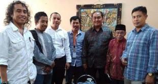 Komite Percepatan Pemekaran Provinsi (KP3) bersama tokoh muda Alabas diabadikan usai berkonsultasi dengan Prof. Dr. Jimly Asshiddiqie, SH Pakar Hukum Tata Negara di Jakarta, beberapa waktu lalu. (Istimewa)