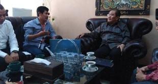 Komite Percepatan Pemekaran Provinsi (KP3) Alabas bersama tokoh muda saat berkonsultasi dengan Prof. Dr. Jimly Asshiddiqie, SH , Pakar Hukum Tata Negara di Jakarta, beberapa waktu lalu. (Istimewa)