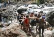 Evakuasi korban banjir bandang Air Terjun Dua Warna (foto: Antara)