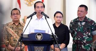 Presiden Jokowi saat Mengumumkan Pembebasan 10 WNI yang Disandera Abu Sayyaf (foto: Antara)