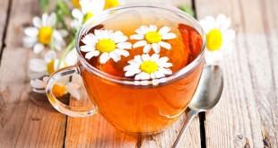 Minum teh chamomile saat sahur (Foto: Boldsky)