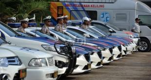 Personel kepolisian mengikuti gelar pasukan Operasi Ramadhan dan Hari Raya (Ramadniya) Toba 2016 di Lapangan Merdeka Medan, Kamis (30/6). Operasi Ramadniya Toba 2016 tersebut untuk memberikan keamanan kepada masyarakat pada saat mudik dan Hari Raya Idul Fitri. (WOL Photo/Ega Ibra)