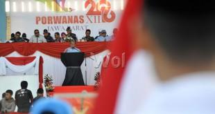 Gubernur Jawa Barat, Ahmad Heryawan saat memberikan pidato pada pembukaan Pekan Olahraga Wartawan Nasional (Porwanas) XII 2016 di Bandung, Jawa Barat, Selasa (26/7). Sebanyak 1.807 atlet dari 30 provinsi mengikuti Porwanas XII 2016 di Jawa Barat, 25-30 Juli 2016. (WOL Photo/Ega Ibra)