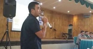 Kanit Reskrim Polsek Medan Baru, AKP Adhi Putranto Utomo SH sedang memberikan arahan terbentuknya Satgas Anti Narkoba (SAN) di tiga kecamatan wilayah hukum polsek tersebut.(WOL Photo/Gacok)