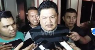 Kasipenkum Kejati Sumut, Bobbi Sandri, memberi keterangan resmi soal kasus mantan Gubernur Sumut, Gatot Pujonugroho.(WOL Photo/M. Rizki)