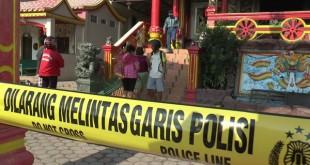 Garis polisi dipasang di lokasi kerusuhan di Tanjung Balai, Sumatera Utara (Ulil Amri/iNewsTV)