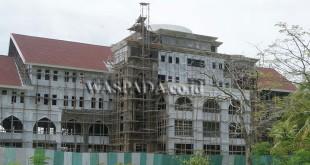 Sisi belakang pembangunan kantor Bupati Aceh Utara di kawasan Landing, Lhoksukon. (WOL Photo/Chairul Sya'ban)