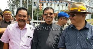 Ketua DPD HMKI Sumut, Ruben Tarigan (kiri), minta Gubernur Sumut tuntaskan soal RSU Kabanjahe.(WOL Photo)