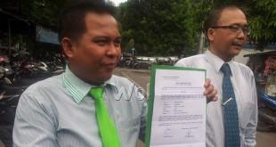 M Irsyad Lubis, Ketua Tim Kuasa Hukum Andri Syafrin, Wartawan MNC TV (kanan foto). (WOL Photo)