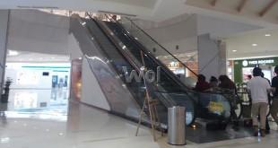 Lokasi jatuhnya pengunjung mall atas nama Yansen (60), warga Jalan Bilal, Gang Tahir, Kecamatan Medan Timur. (WOL Photo)
