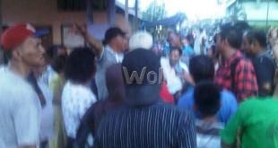 Empat personel Reskrim Polsek Medan Baru, diserang massa bahkan dihujani batu ketika mencoba melakukan penangkapan kurir narkoba di Jalan Badur, Keluraha  Aur, Kecamatan Medan Maimon. (WOL Photo/Gacok)