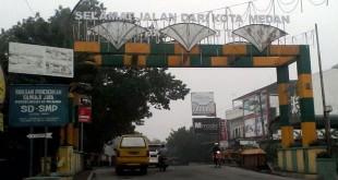 Salahsatu gerbang yang menunjukkan batas wilayah Kota Medan dengan Kabupaten Deliserdang (foto: ist)