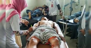 Tiga pekerja bangunan nyaris tewas tertimpa tembok bangunan, jatuh dari lantai 2 bangunan Jalan Iskandar Muda Medan. (WOL. Photo/gacok).