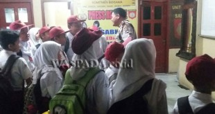 Pelajar SDN sambangi Perpustakaan Polsek Medan Baru. (WOL. Photo/gacok)