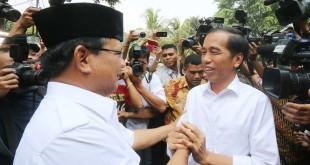 Prabowo dan Jokowi (foto: Okezone)