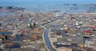 Kondisi permukiman di Banda Aceh beberapa hari setelah diterjang tsunami pada 26 Desember 2004. (foto AFP)