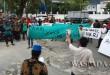 Massa Gerakan Masyarakat Pengawal NKRI saat menggelar aksi di Bundaran Titik Nol Kota Medan.