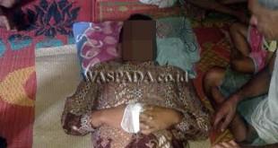 Deli Adinata Tarigan alias Deni (29) tewas tersengat listrik saat disemayamkan di di rumah duka, Kamis (12/1). (WOL. Photo/Gacok)