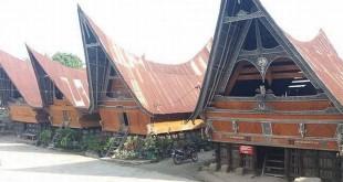 Rumah Adat Batak di Samosir (Foto: Instagram/@sun.adventure28)