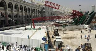 Crane di Masjidil Haram jatuh pada September 2015 dan menimpa sejumlah jamaah haji (foto Reuters)