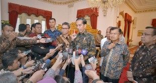 Presiden Joko Widodo memberi keterangan pers di Istana Kepresidenan, Jakarta (Antara)