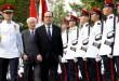 Foto Hollande ketika tiba di Singapura (Foto: Reuters)