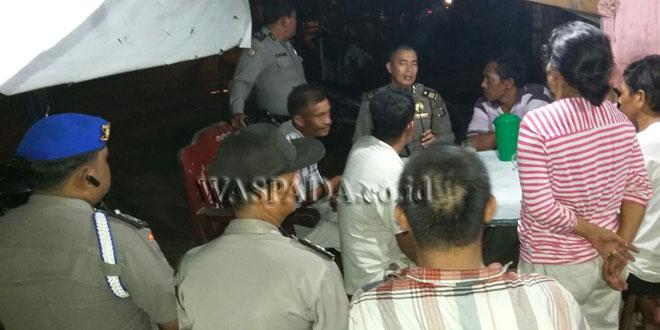 Petugas Polsek Medan Baru sosialisasi narkoba di Kampung Sejahtera, Kecamatan Medan Petisah. (WOL. Photo/gacok)