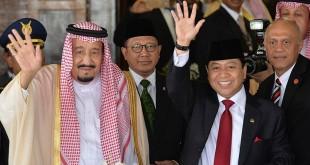 Raja Salman bin Abdulaziz bersama Ketua DPR Setya Novanto di Gedung DPR. Foto Widodo Jusuf/Antara