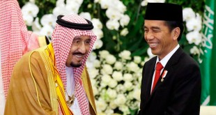 Raja Arab Saudi Salman bin Abdulaziz Al Saud dan Presiden Jokowi. (Foto: Reuters)