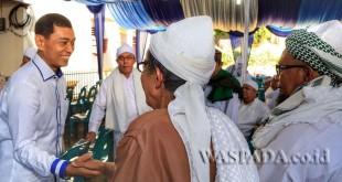 Bupati Simalungun JR Saragih bertemu para ulama di Masjid Agung Perdagangan, Kabupaten Simalungun, Sumatera Utara, belum lama ini. (WOL Photo)