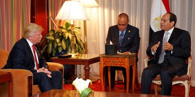 Presiden Mesir Abdel Fattah al Sisi saat bertemu Trump tahun lalu. (Foto: AFP)