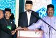 Wakil Bupati Aceh Utara, Drs Muhammad Jamil MKes (Tengah) menekan tombol sirine sebagai tanda berakhirnya MTQ ke 33 di Cot Girek. (WOL Photo/Chairul Sya'ban)