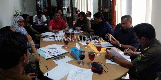Suasana rapat Bapperda DPRD Medan, Selasa (16/5).(WOL Photo)