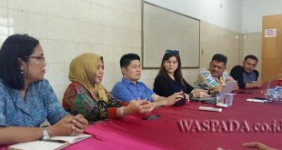 Pengurus Cancer Information and Suport Center (CISC) Sumut saat memberikan keterangan di Rumah Sakit Sari Mutiara, Sabtu (13/5). (WOL Photo)