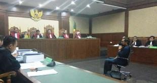 Choel Mallarangeng saat di pengadilan Tipikor (foto: Arie/Okezone)