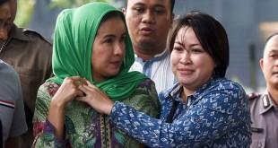 Istri Gubernur Bengkulu Lily Martiani saat tiba di Gedung KPK usai ditangkap (Antara)