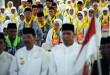 Jemaah haji kloter 1 Medan mengikuti prosesi pelepasan sebelum diberangkatkan dari Asrama Haji Medan, Jumat (28/7). Sebanyak 389 jemaah haji yang tergabung dalam kloter 1 Medan diberangkatkan ke tanah suci. (WOL Photo/Ega Ibra)