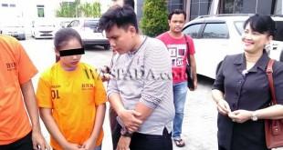 Reporter Waspada Online, Lihavez, mewawancarai cewek cantik inisial SS, penyandang dana narkoba 21 ribu butir pil ekstasi dan 1 Kg sabu untuk diedarkan di Medan (WOL Photo)