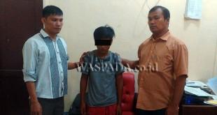Penyidik Polsek Medan Sunggal, usai interogasi tersangka wanita kasus pencurian sepeda motor. (WOL Photo/Gacok)