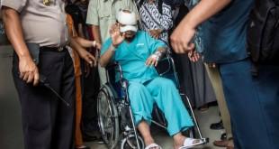 Penyidik KPK, Novel Baswedan usai di siram air keras (foto: Antara)