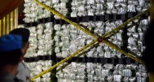 Penyegelan Gudang Penyimpanan Beras yang Diduga Palsukan Kandungan Gizi (Foto: Antara)